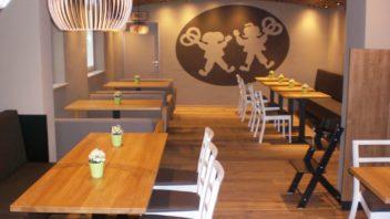 Neueröffnung in Mainburg mit attraktivem Sitzcafé.