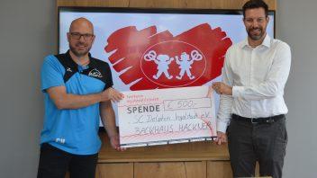 Backhaus Hackner fördert Schwimmkurse für Kinder beim SC Delphin Ingolstadt